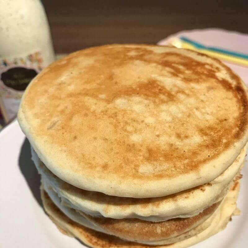 l 39 histoire des pancakes et notre version sans gluten atelier p 39 tits d lices. Black Bedroom Furniture Sets. Home Design Ideas